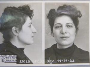 Olga Sfedj est arrêtée alors qu'elle est en train de coller des tracts le 10 novembre 1942. Juive, elle est aussitôt envoyée au camp de femmes à Brens près de Gaillac.