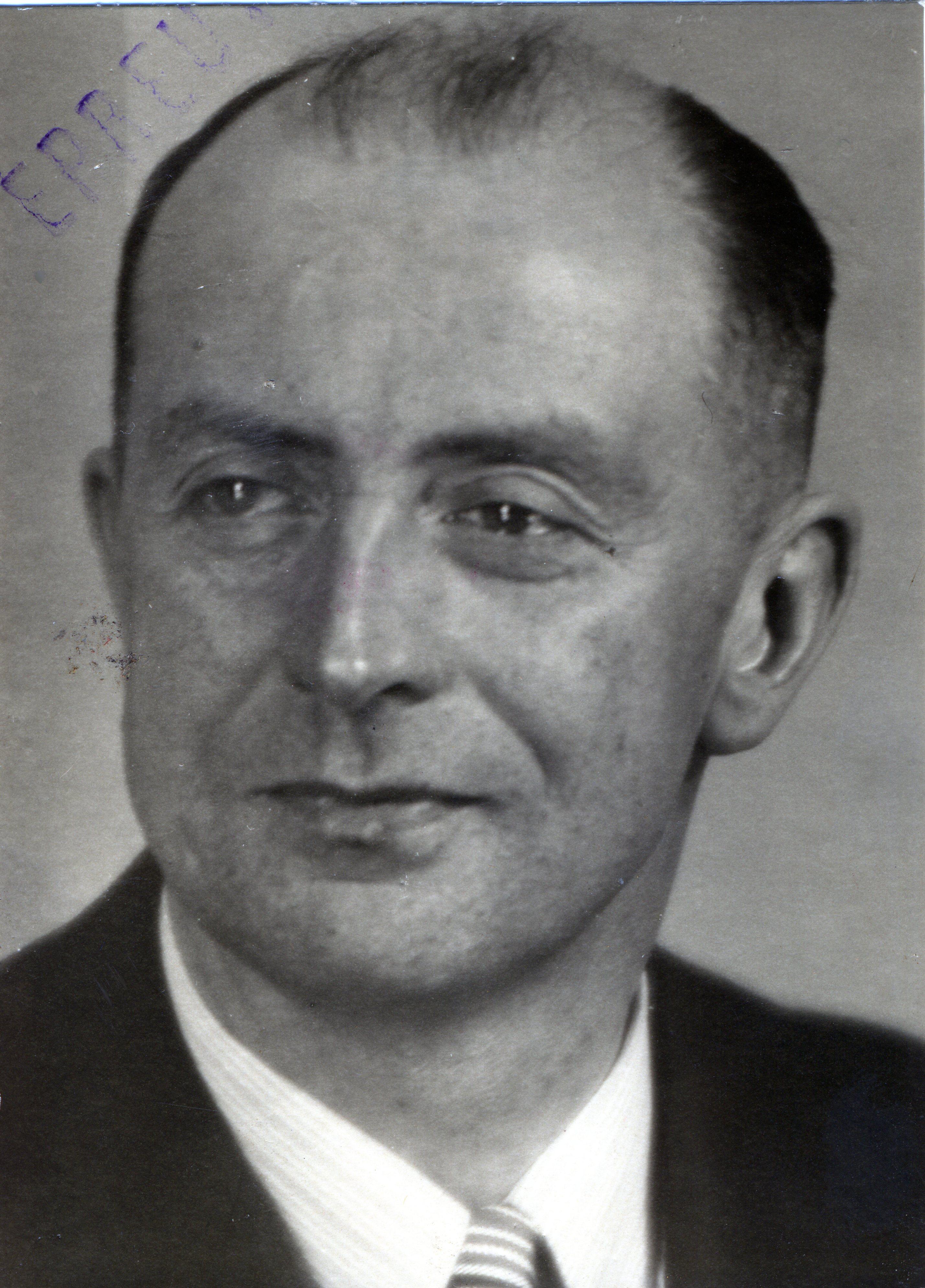 1942 - 1943