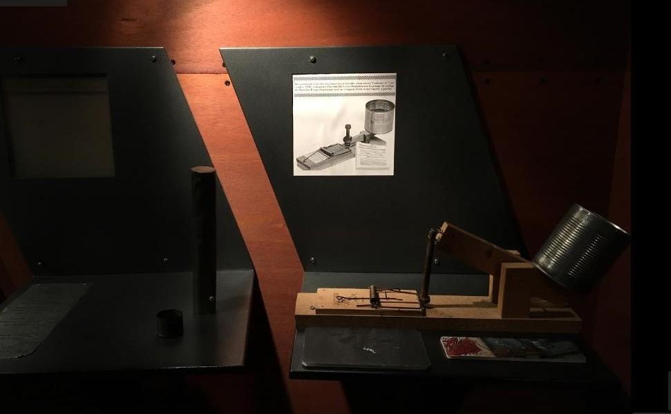 Reproduction de la machine utilisée, Musée de la Résistance nationale, Champigny-sur-Marne.