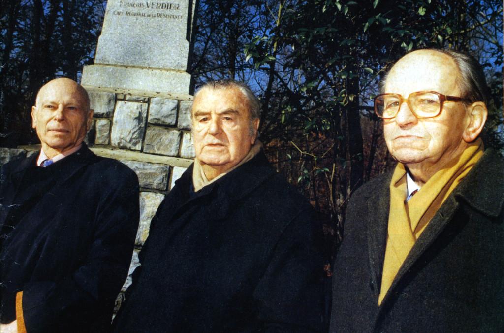 Forêt de Bouconne, janvier 1999 Serge Ravanel, Jean-Pierre Vernant et Raymond Aubrac Photographie de François Canard