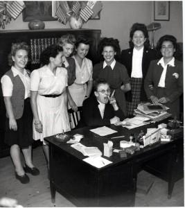 Françoise, dans son bureau à la Libération, Yan