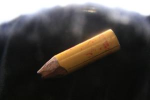 Le crayon utilisé par François Verdier en prison, retrouvé dans le colis après sa mort.