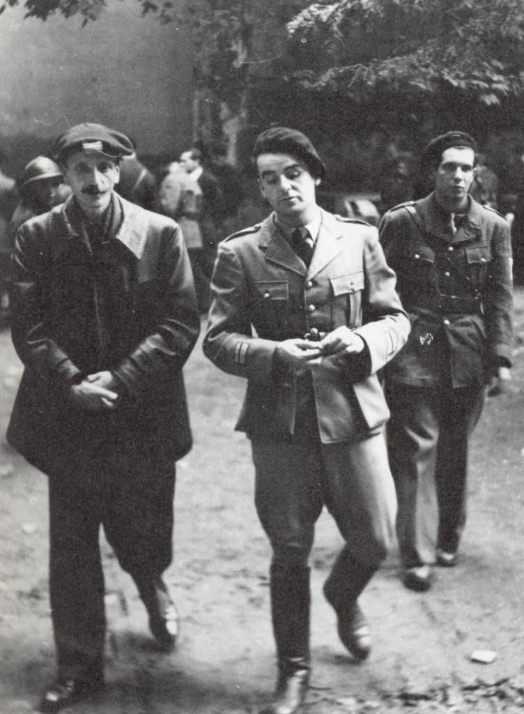 Le professeur Ignace Meyerson et Jean-Pierre Vernant en août 1944. Photo Jean Dieuzaide