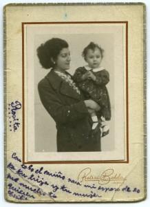 La photographie de sa famille, fondée en Espagne, qui se trouvait dans son portefeuille lors de son arrestation, conservé aux Archives départementales de la Haute-Garonne (ADHG)