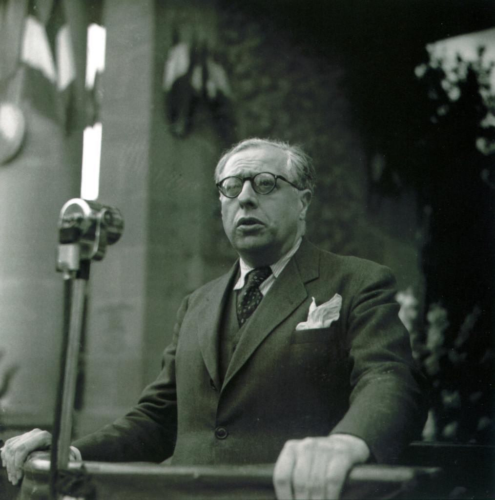 Jean Cassou, 19 août 1945 : 1ère cérémonie commémorative de la Libération de Toulouse. J. Dieuzaide