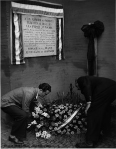 Cérémonie 1945, Jean-Pierre Vernant, par Jean Dieuzaide